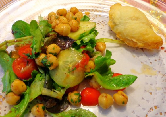 Lady MH's chaat salad and Lady Henni's samosa