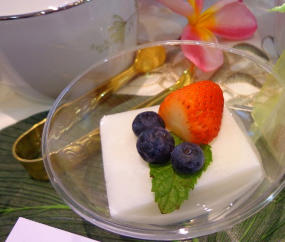 Chinese almond dessert with fresh berries