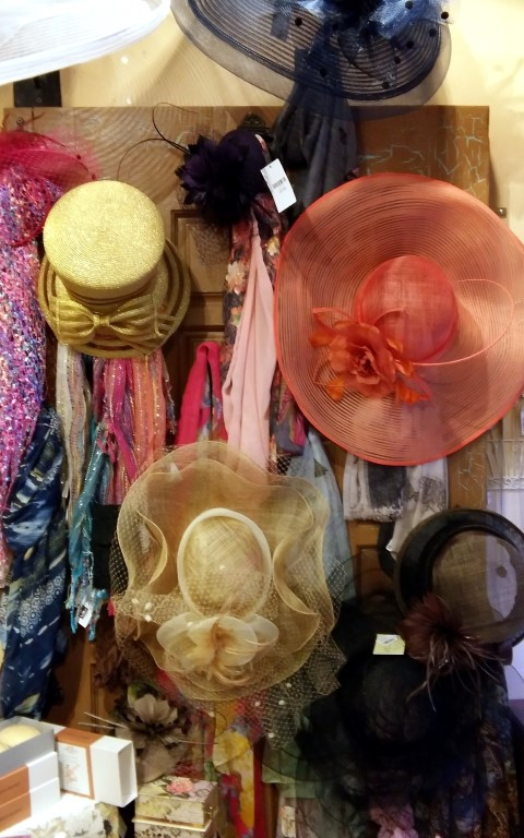 Hats and other tea accessories for guests
